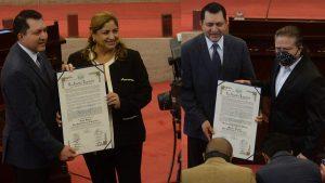 Nory Flores y Marito Rivera, declarados hijos meritísimos de El Salvador