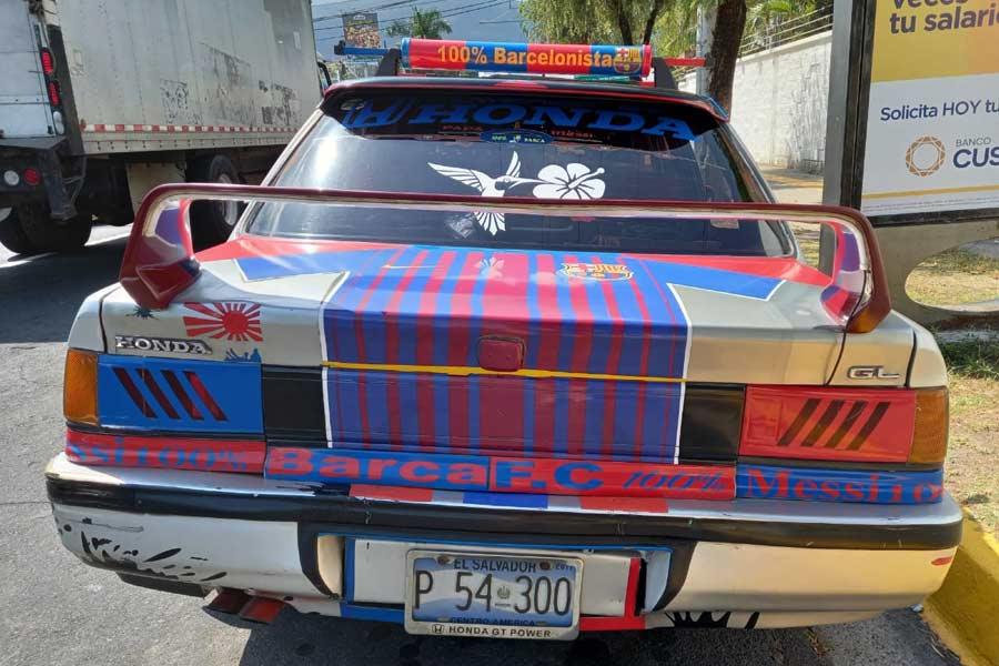 fanatico-de-messi-y-su-carro105