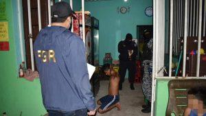 22 capturados y $4,000 incautados tras operativo policial en San Salvador y La Libertad