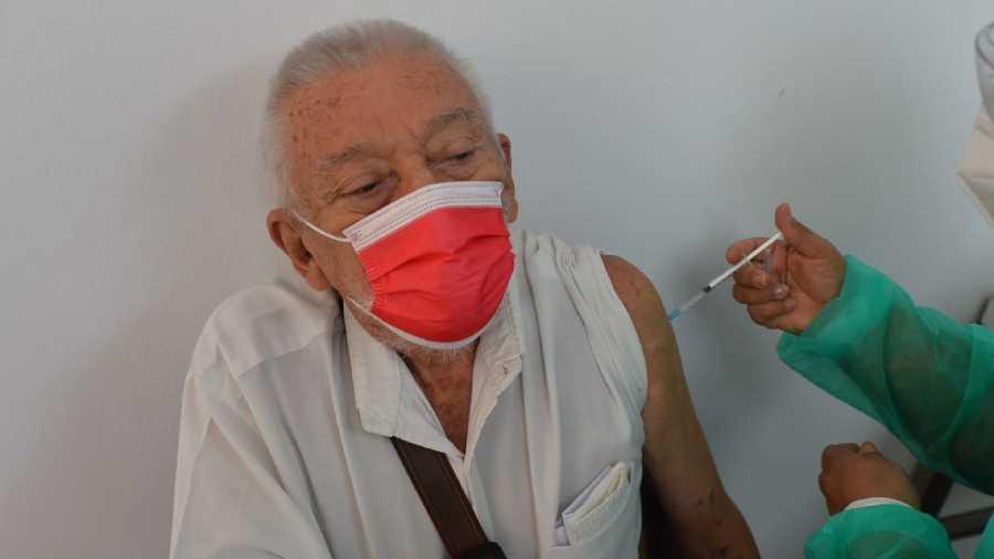 vacuna adultos mayores (1)