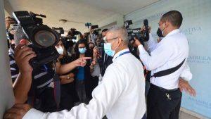 Los obstáculos diarios para ejercer el periodismo en El Salvador