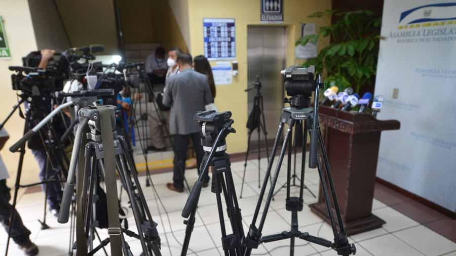 Asamblea-restringe-el-trabajo-de-la-prensa-219