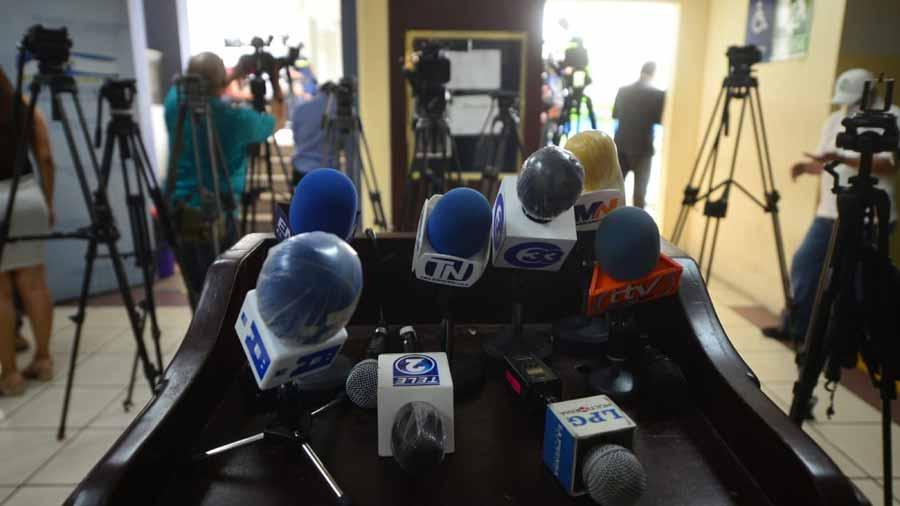 Asamblea-restringe-el-trabajo-de-la-prensa-221