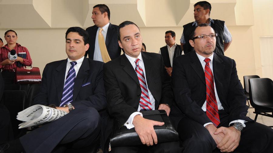 Roberto d'Aubuisson, diputado salvadoreño, fue el primero en declarar en calidad de testigo, en el juicio que se les sigue a ocho hombres guatemaltecos y una mujer.
