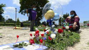 """""""Mientras otras madres celebran, yo vengo a llorar la muerte de mi hijo por la violencia"""", lamenta Ivonne en el Día de la Madre"""