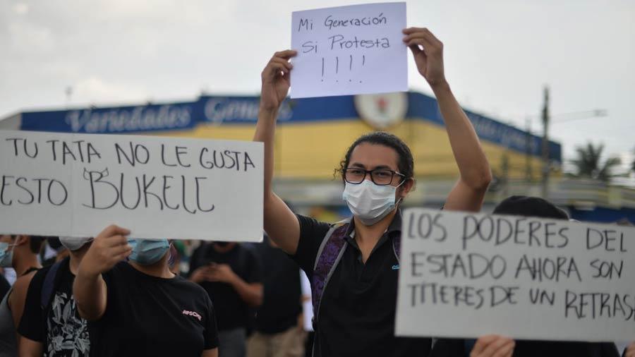 manifestacion-contra-golpe-en-asamblea10