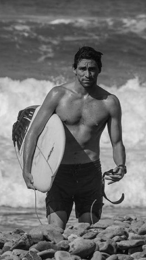 Bryan-Perez-surfista-salvadoreno
