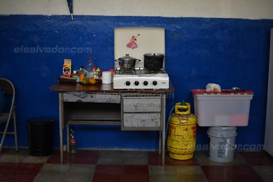 JF-profesores-rurales-duermen-escuela321