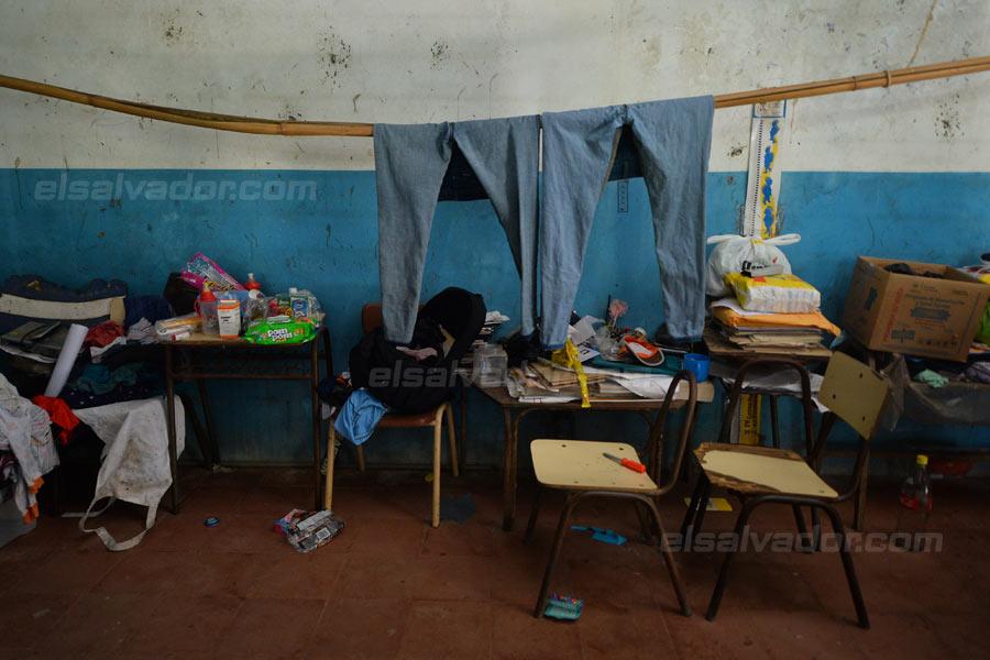 JF-profesores-rurales-duermen-escuela328