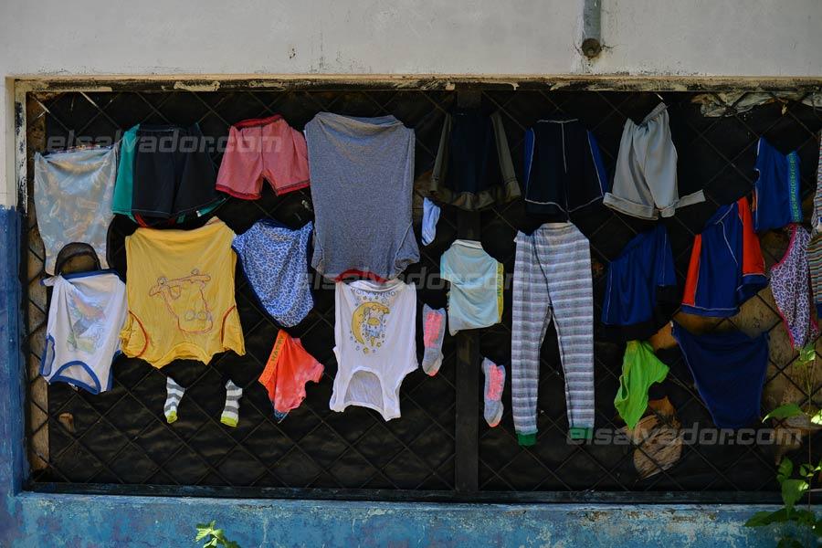 JF-profesores-rurales-duermen-escuela330