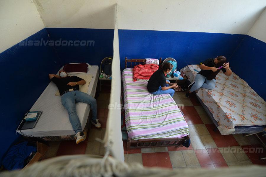 JF-profesores-rurales-duermen-escuela332