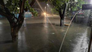 Lluvia genera inundaciones en varias zonas de El Salvador