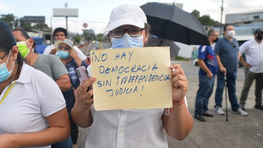 manifestacion-contra-bukele-constitucion9