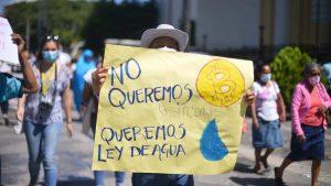 """""""No queremos Bitcoin, queremos Ley de Agua"""": movimiento ambientalista pide a diputados se apruebe la ley"""