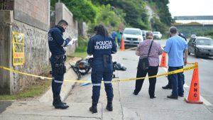 Motociclista muere al accidentarse en la carretera al Puerto de La Libertad