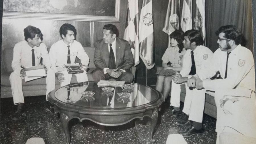 Presidente-Armando-Molina053