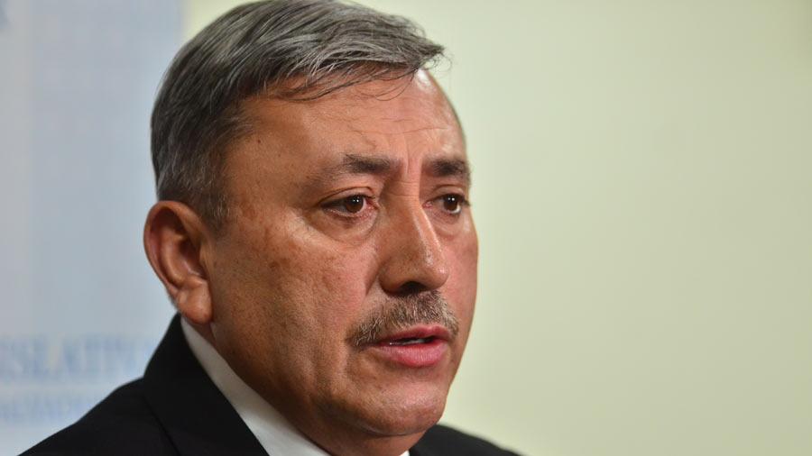 Carlos Reyes, señalado en la lista Engel, anunció su renuncia a ARENA
