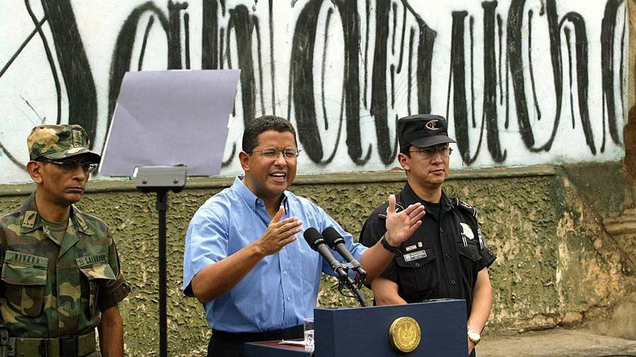 EL SALVADOR-PANDILLAS-FLORES-MANO DURA