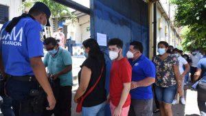 Imágenes: Largas filas en alcaldías para retirar partidas de nacimiento