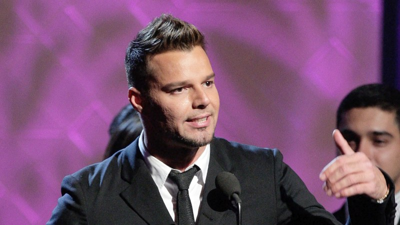 """""""49 años y ya está acabado"""". Ricky Martin sorprende por su aspecto avejentado"""