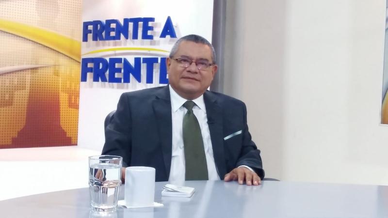 El Salvador se ha aislado internacionalmente y el resto de países ya lo miran con desconfianza, dice experto en política externa